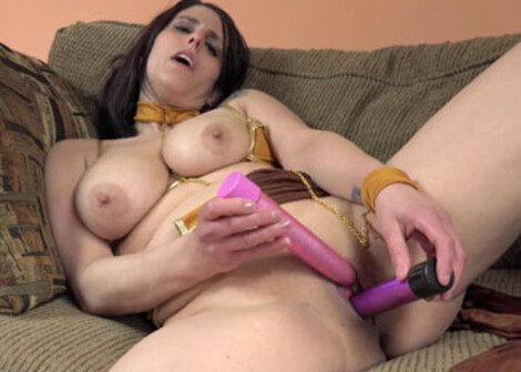 Slave princess Lavender does her dildos
